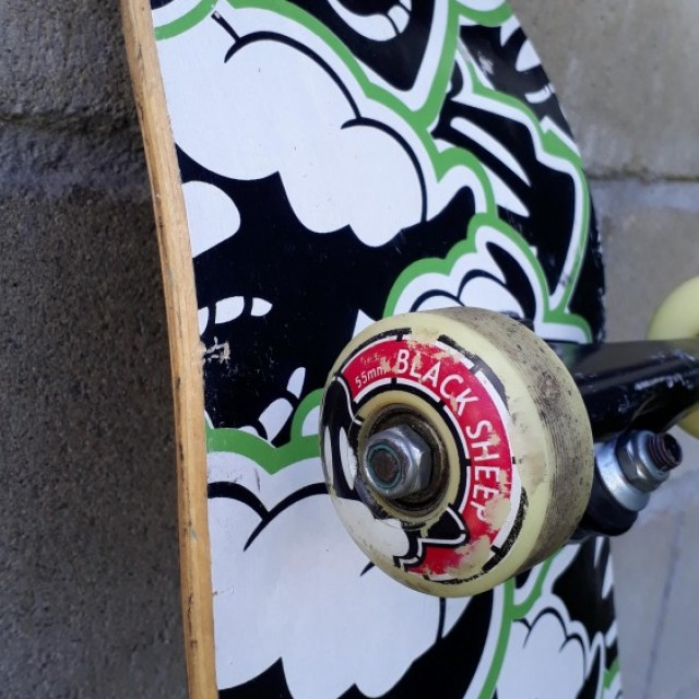 Skate Black Sheep Semi Novo